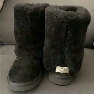 2083c8796f7 Women Ugg Patten on Poshmark